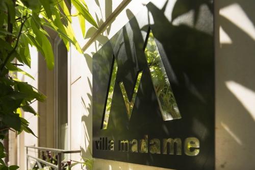 madame5.jpg