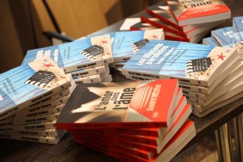photo de mes livres par Dominique.jpg